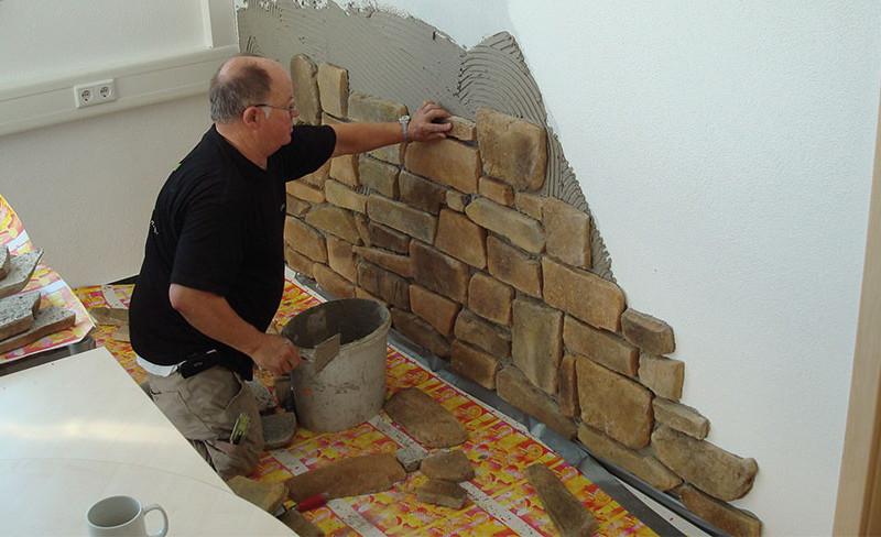 Edler Naturstein für die Wand
